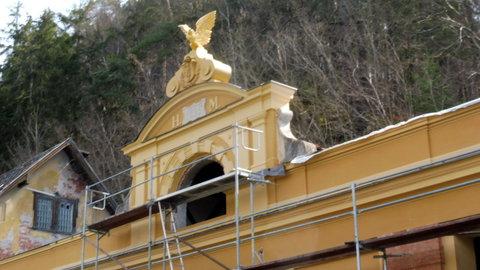 FOTKA - zlatá orlice bude zdobit jednu vilu...