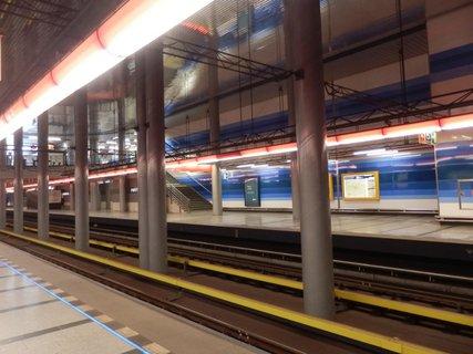FOTKA - Prosek, stanice metra
