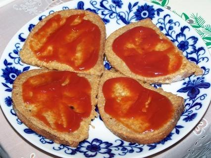 FOTKA - Chleba smažený ve vajíčku-nebo kečupem