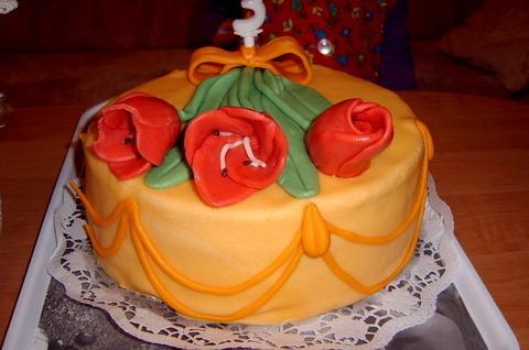 FOTKA - dortík pro Lení k třetím narozeninkám,tři tulipány tři roky (O:
