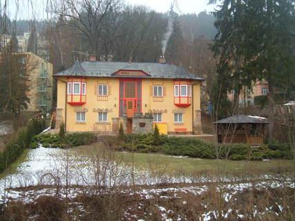 FOTKA - lázeňský dům - žlutý
