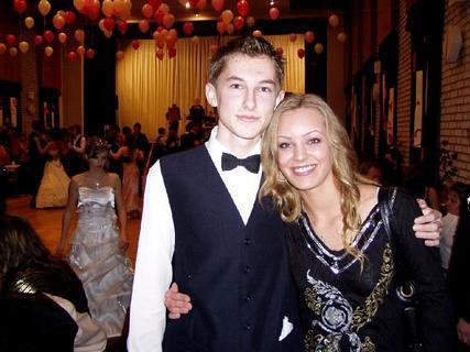FOTKA - s bráchou na plese