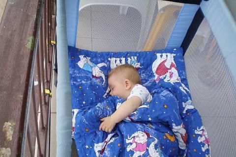 FOTKA - Tomášek spí
