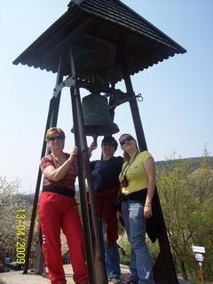 FOTKA - POd zvonom