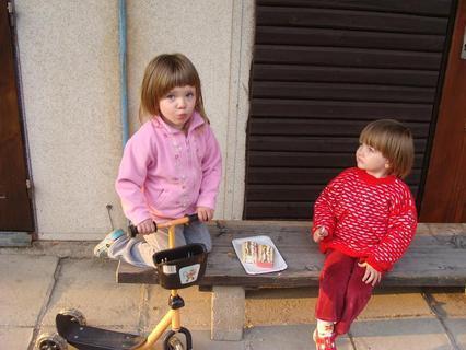 FOTKA - děti a dort