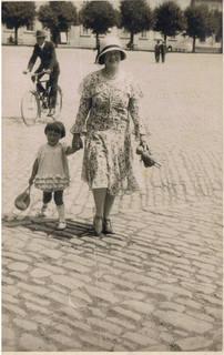 FOTKA - babička a maminka