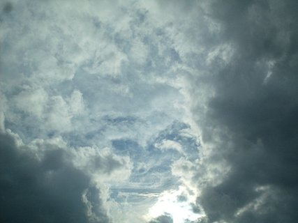 FOTKA - že by se v nebi zjevil einstein?