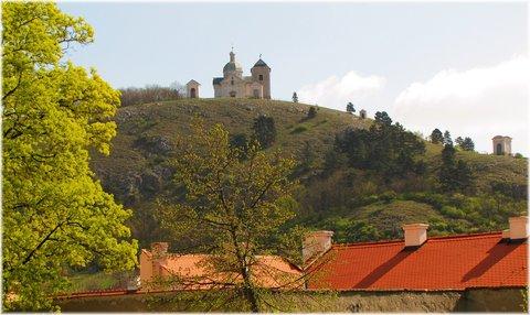 FOTKA - Svatý kopeček na kopci nad Mikulovem