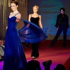 Velká módní show a dražba svatebních šatů 2009