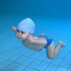 Ideální letní sporty pro děti? S batolaty na plavání, s předškoláky na atletiku