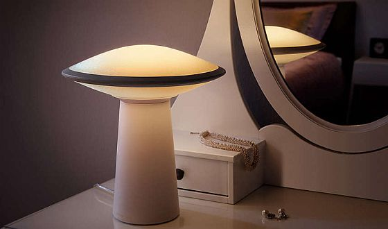 Philips Hue stolní lampa Phoenix