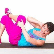 8 cviků pro ploché břicho nejen na léto