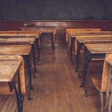 Vydejte se s námi do historie školství i vysvědčení