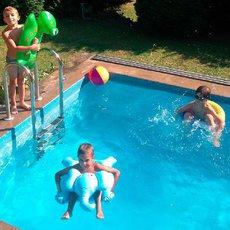 děti a bazén