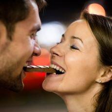 Věděli jste, že čokoláda i líbání mají stejné pozitivní účinky?