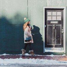 Jak bezpečně chodit na zmrzlém chodníku