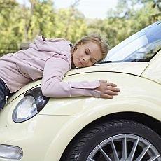5 věcí, bez kterých se žena v automobilu neobejde
