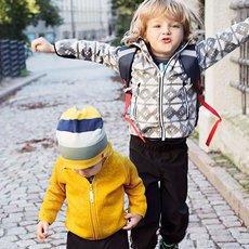Na dětském oblečení hrají prim chytré materiály