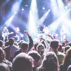 Rok 2018 přeje milovníkům hudby. Kdo dorazí do Česka? Těšte se!