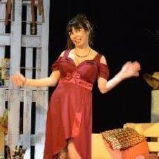 Nela Boudová v komedii Úhlavní přátelé