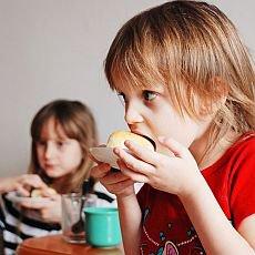 děti jídlo