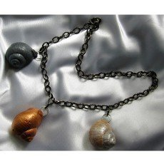 Netradiční šperky z ulity hlemýždě vám budou připomínat jaro