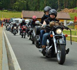 westernový motosraz