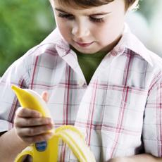 Kluk s banánem
