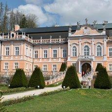 České Versailles, Malý Schönbrunn aneb zámek Nové Hrady