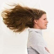 Péče o vlasy: Co je pravdy na mýtech, které slýcháme celý život?